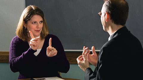 Persone che parlano lingua dei segni