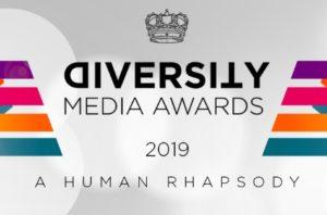 Logo di diversity media awards con strisce colorate